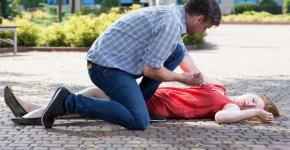Почему при низком давлении случается потеря сознания и что делать?