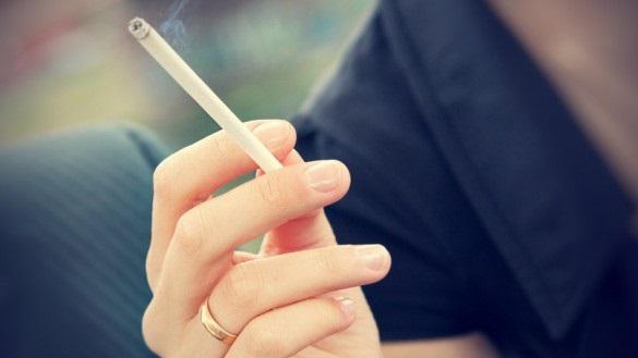 голос грубее от курения
