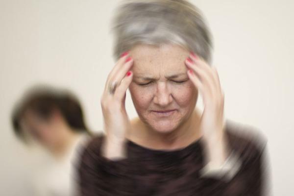 чем лечить старческую спутанность сознания,галлюцинации