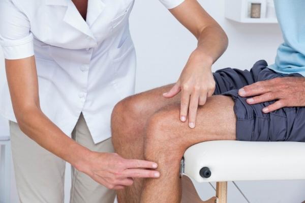 Острая боль в колене при ходьбе