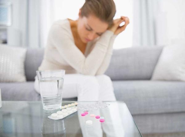 Что помогает от тошноты и рвоты: что принять и выпить