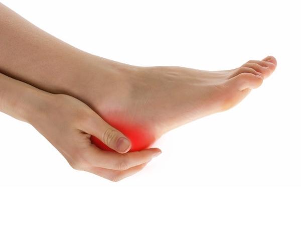 Боль в ногах кто лечит