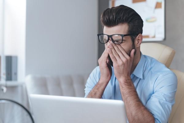 Сухость глаз при длительной работе за компьютером