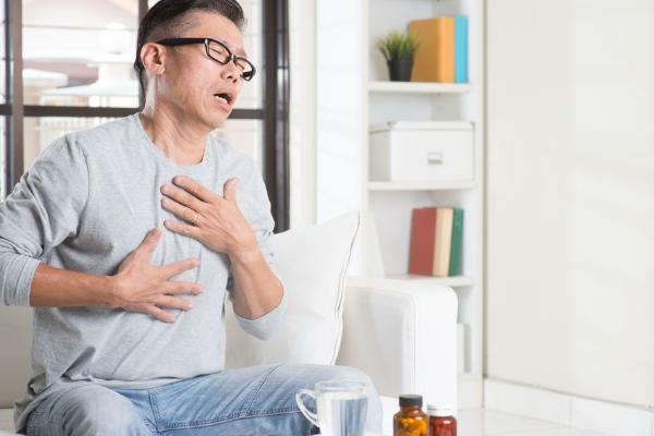 Лечение одышки при сердечной недостаточности: симптомы, причины ...