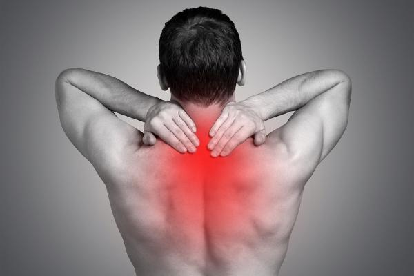 Боль в верхней части спины причины