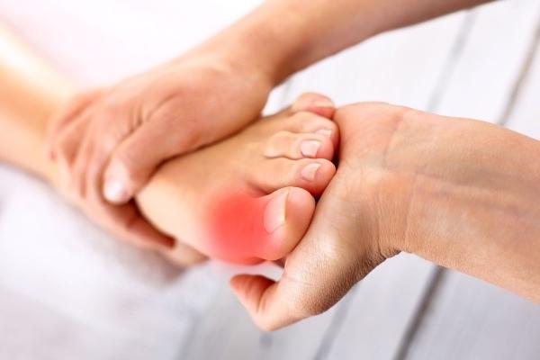 Результат хирургического лечения воспаления сустава пальца