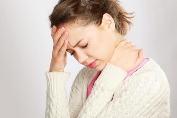 Болит голова когда наклоняюсь вниз