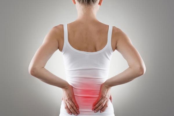 Почему болит поясница при месячных: причины, лечение, упражнения